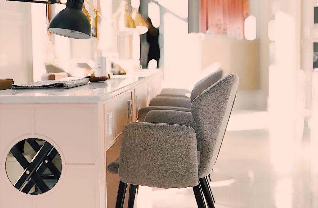 apartment-armchair-bokeh-945225